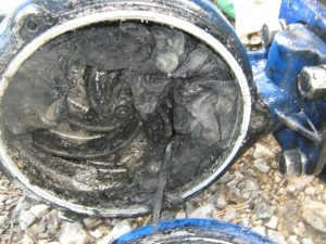 Ucpané čerpadlo kanalizace